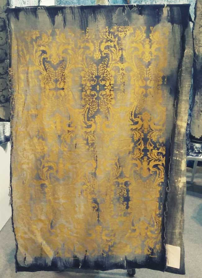 One of our most sold textile hanging in our showroom.